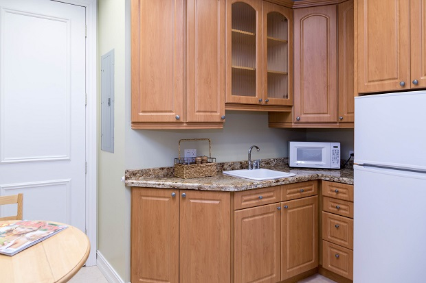 Delray-Beach-Executive-Offices-Eat-in-Kitchen
