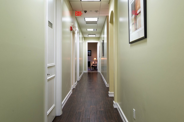 Delray-Beach-Executive-Offices-Hallway-to-Offices