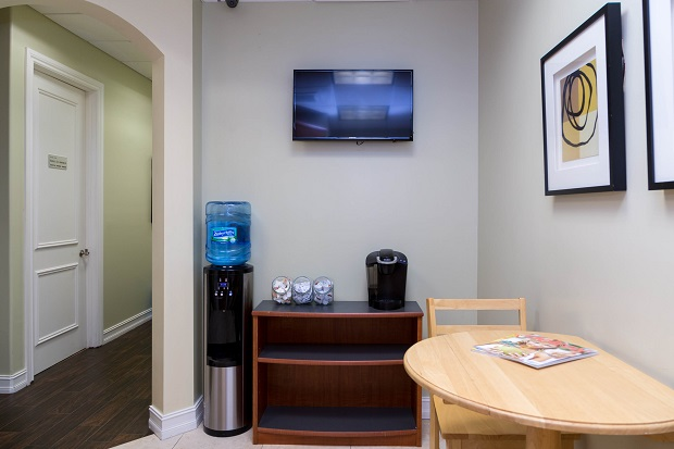 Delray-Beach-Executive-Offices-Water-and-Coffee-Station